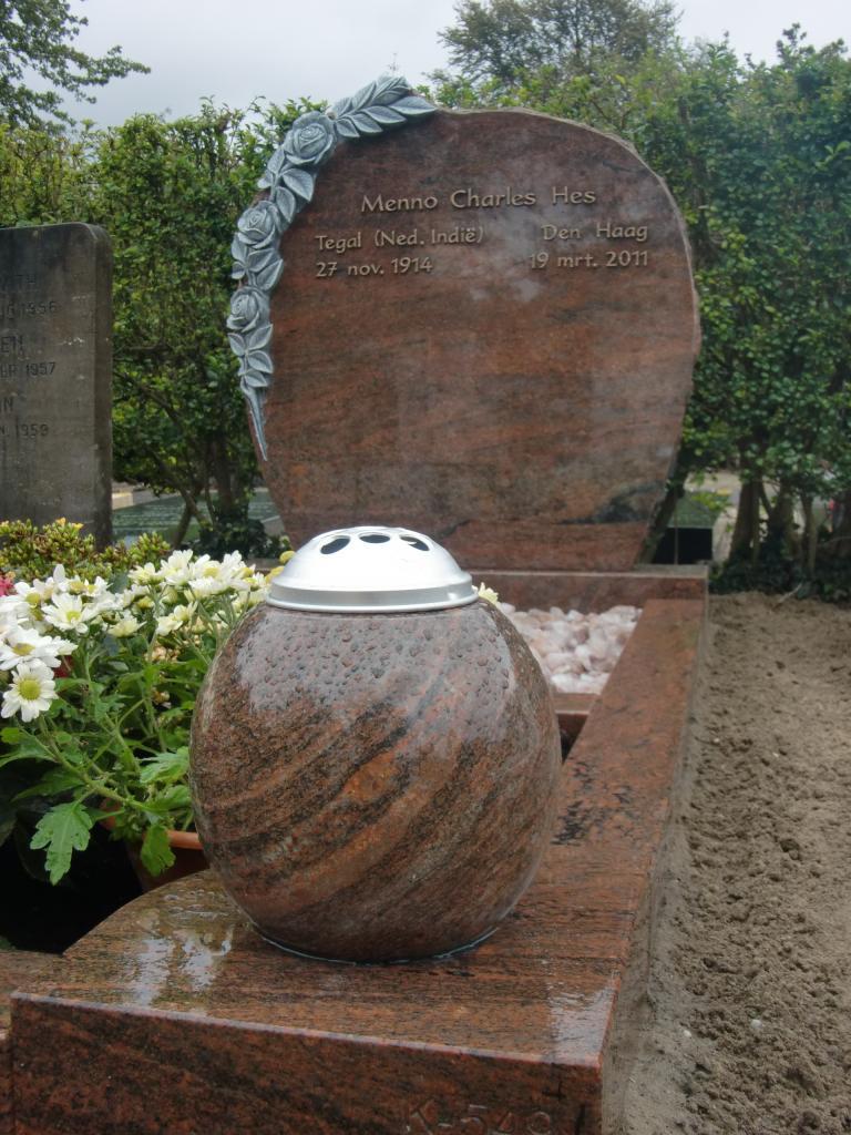 grafsteen graniet gehakte roos
