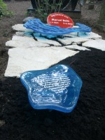 Grafmonument glas op Flagstones